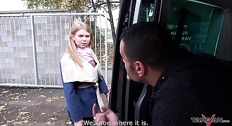 Takevan Stranger suggest a ride to slurps lost blonde and fuck her in driving van